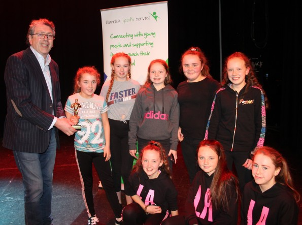 King's Island Youth Club with LYS' Maurice Walsh